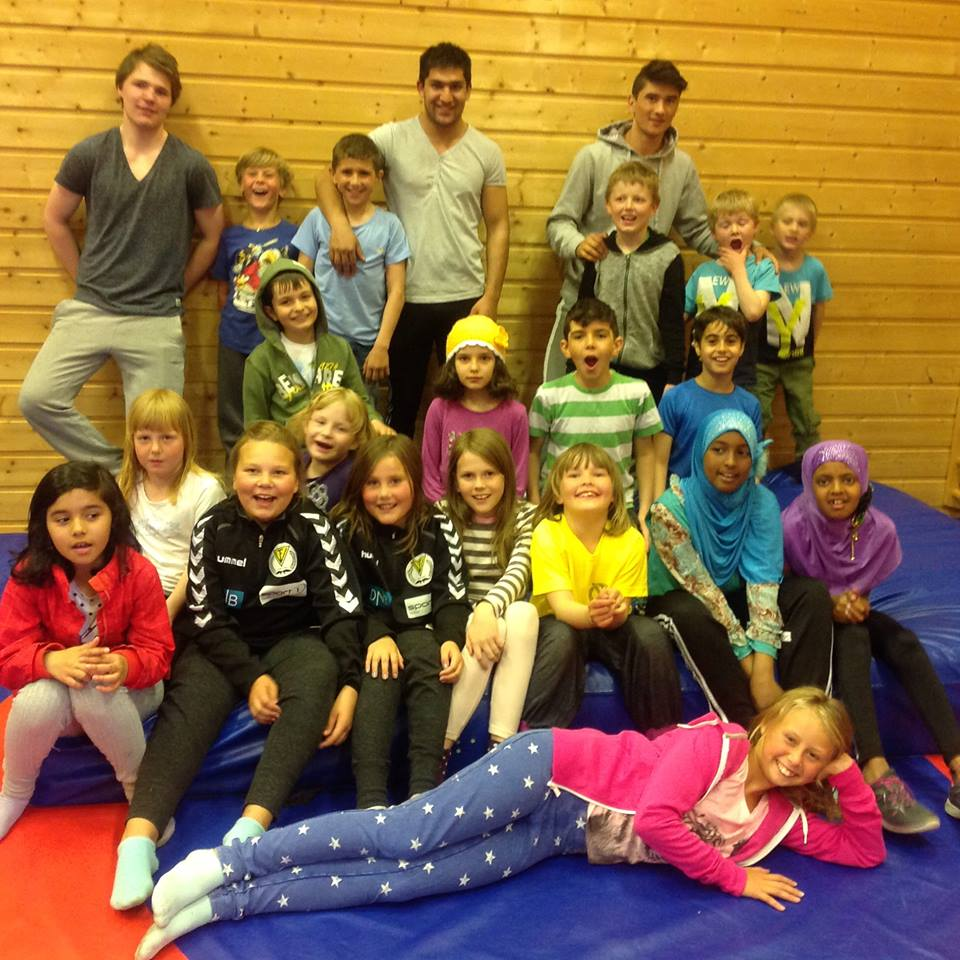 Akrobatikk på Golnes med Camp 1